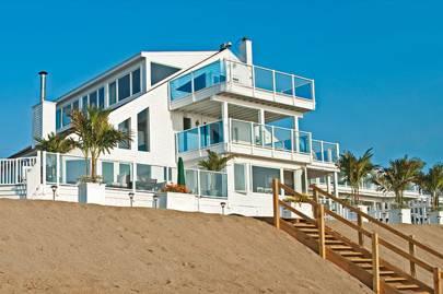 Beachside Houses In Plum Island