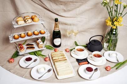 Teatime for Two, Le Deli Robuchon