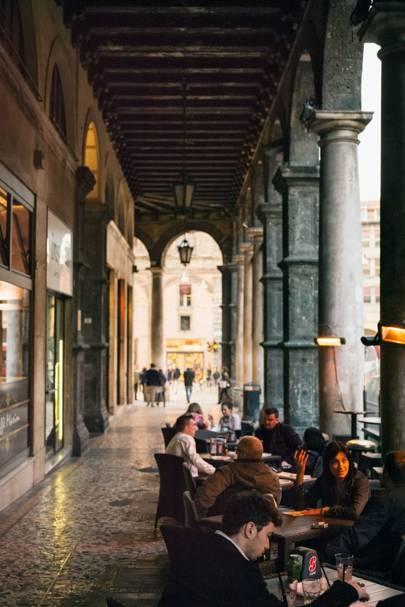 Free travel guide to bologna italy cn traveller for Hotel dei commercianti bologna