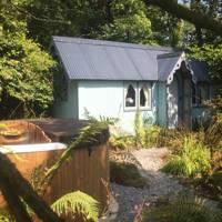Woodland hut, Cornwall