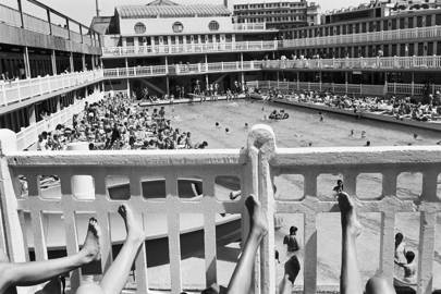 Molitor swimming pool in the 1930s