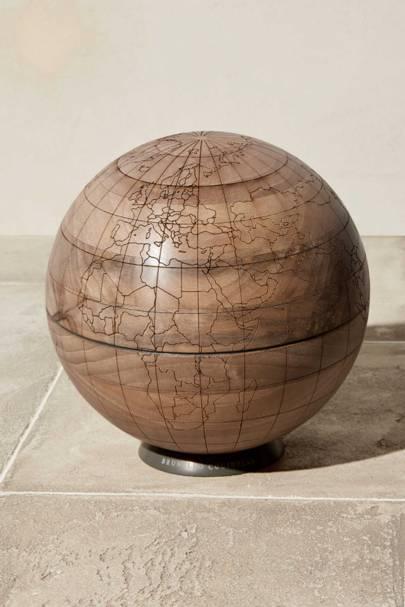 The pinnable globe