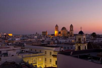 Exploring the neighbourhoods of Cadiz