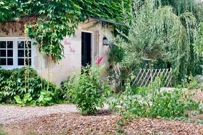 A PETITE FRENCH HIDEAWAY