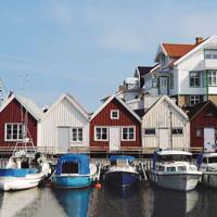 Quayside huts on Åstol