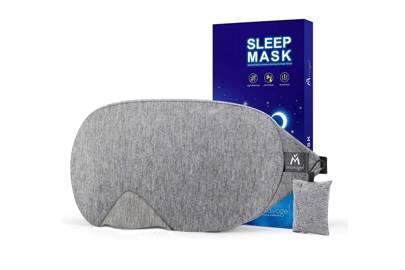 The light-blocking eye mask