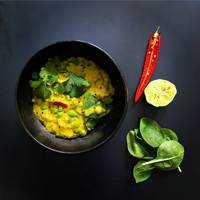 INDIAN LENTIL DHAL WITH SPINACH AND PEAS
