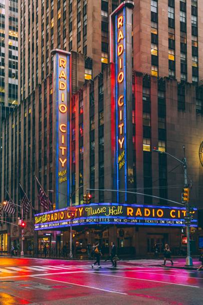 6. Radio City Music Hall, 1260 6th Avenue