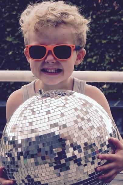 Dinki Disco, Hoxton Square