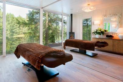 Gilpin Lake House spa treatment room