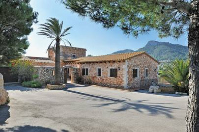 Es Castell, best villa for space in Mallorca