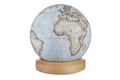 The desk globe