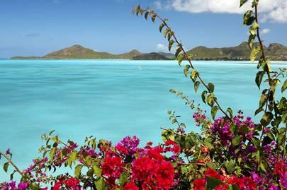 Sailing around Antigua